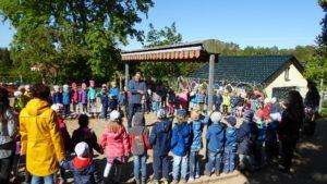 Die Pinnower FFw im Kindergarten